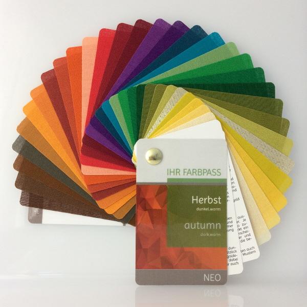 Farbkarten zur Farbberatung Herbst mit Stilkarte Damen